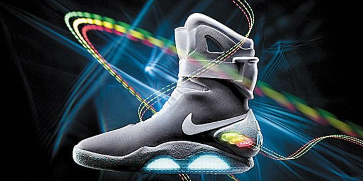 Самошнурующиеся Nike