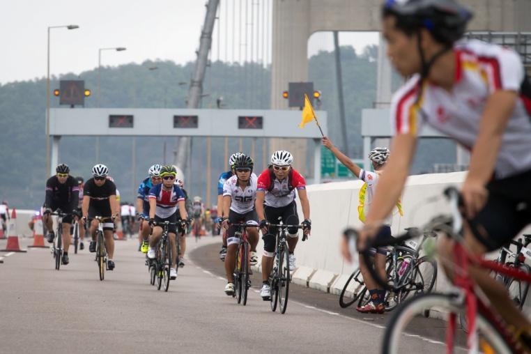 Часть заезда на 35 км., проходящая по мосту Цин Ма