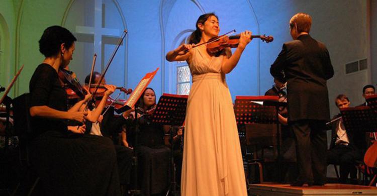 IV международный конкурс скрипачей и квартетов имени Леопольда Ауэра