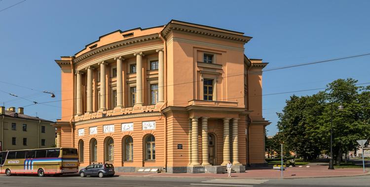 Западный павильон Михайловского замка