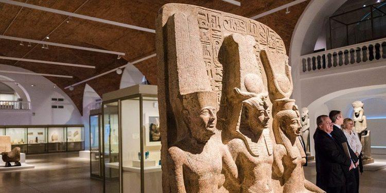 «Нефертари и Долина цариц. Из Египетского музея в Турине », выставка