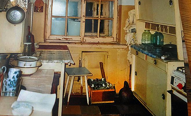 Коммуналка на Петроградской, где в девяностые годы жил наш английский аристократ