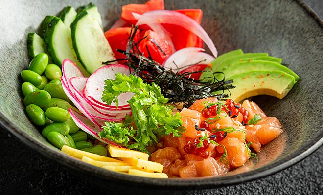 Поке-Боул с лососем. Ресторан Чанг
