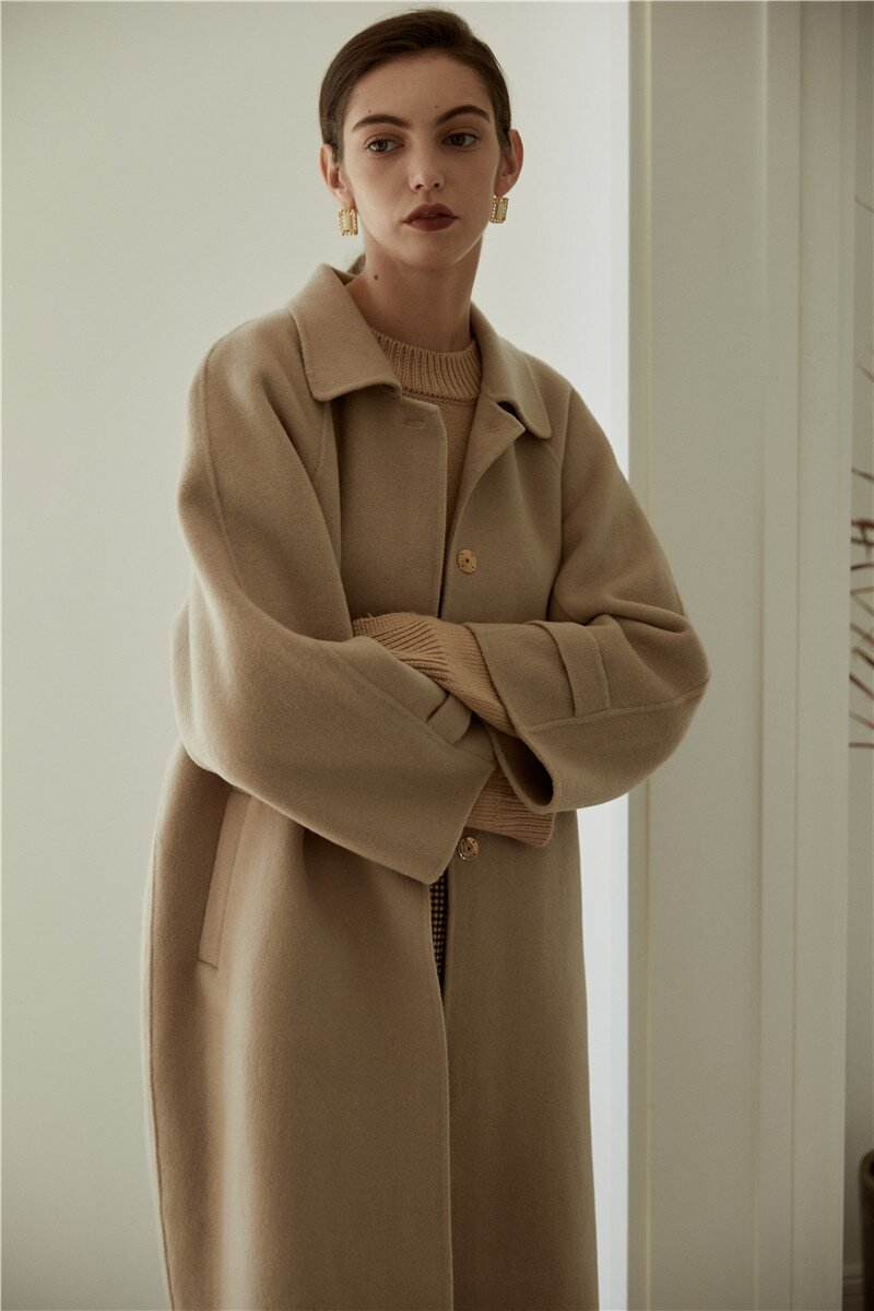 Простой и шикарный финский бренд женской одежды представил новую коллекцию FW'21. На цифровых платформах, включая Россию