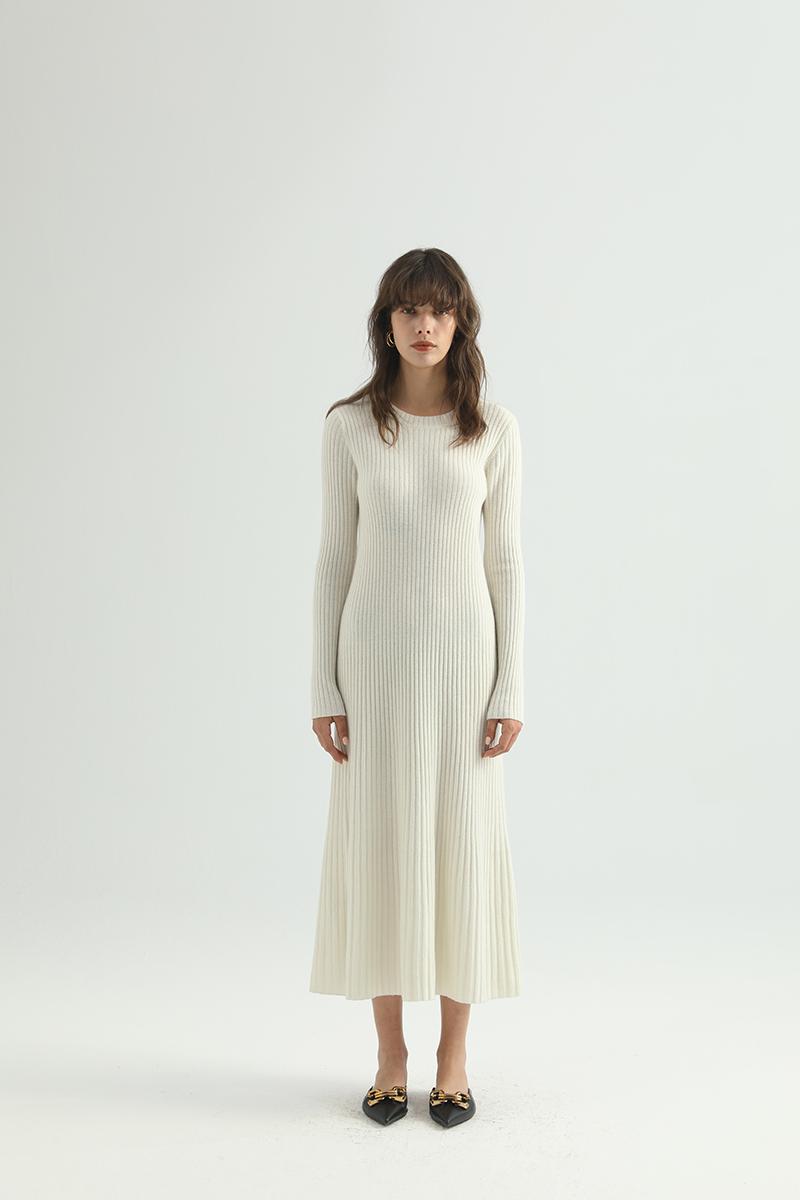 Hey Dress - простой и шикарный финский бренд женской одежды представил новую коллекцию FW'21. На цифровых платформах, включая Россию